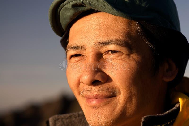 åldrig kinesisk medelutomhus- person arkivbild