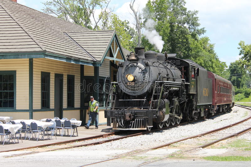 Ånga drevet från Chattanooga, TN till Summerville, GUMMIN fotografering för bildbyråer