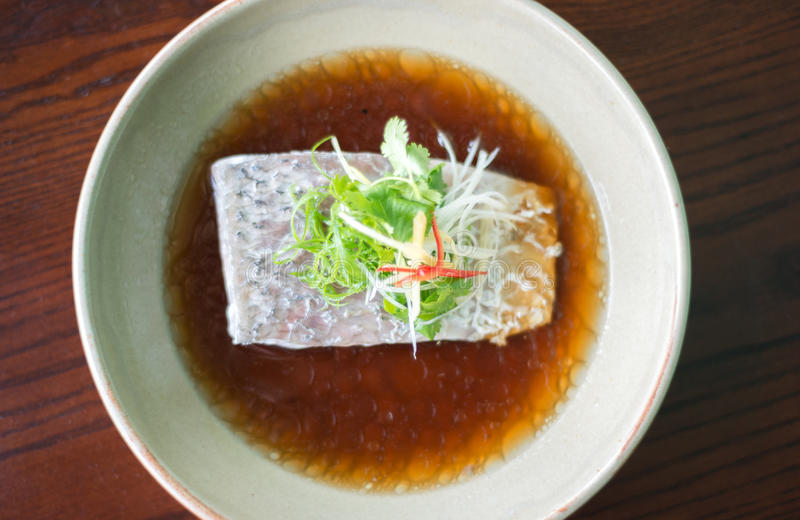 Ångafisk i soya royaltyfri fotografi