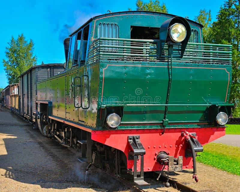 Ångalokomotiv för smal gauge. arkivbild