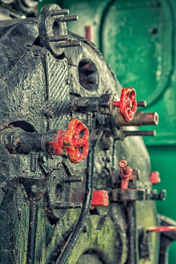 Ångamotors ventiler för kontroll royaltyfri foto