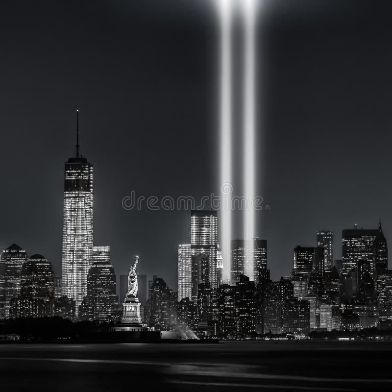 12 år senare… hedersgåva i ljus, 9/11 fotografering för bildbyråer