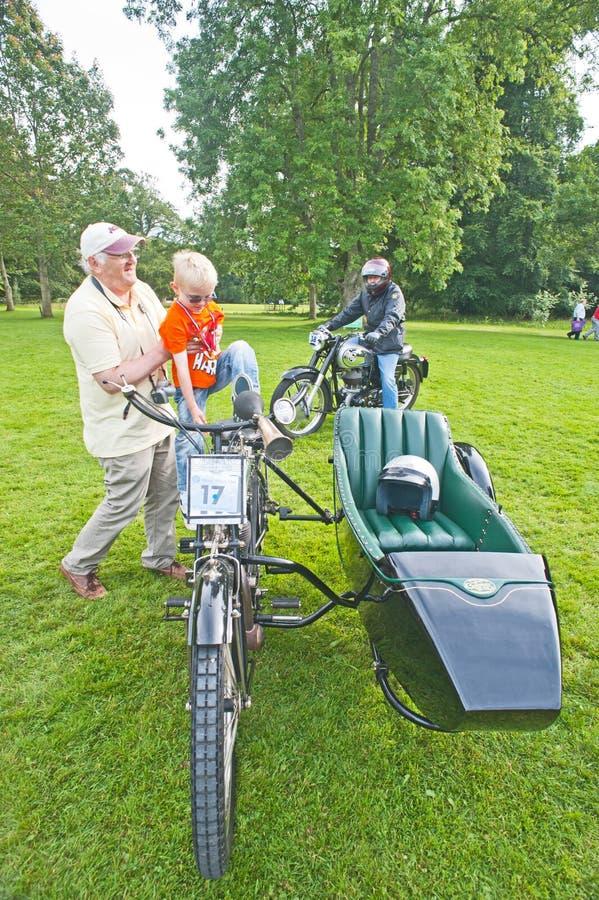 årig Rudge motorbike för 100. royaltyfri foto