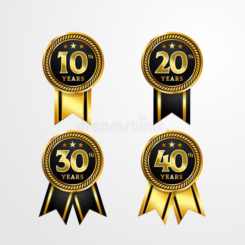 Årsdaglogoemblem med bandvektordesign Ställ in av den skinande guld- svarta medaljknappen med nummer för födelsedagberöm royaltyfri illustrationer