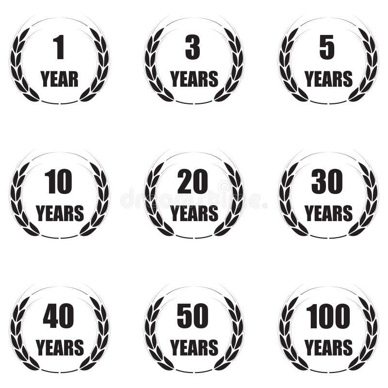 Årsdagsymbolsuppsättning som isoleras på vit bakgrund 1,3,5,10,20,30,40,50,100 år Mall för lyckönskandesig royaltyfri illustrationer