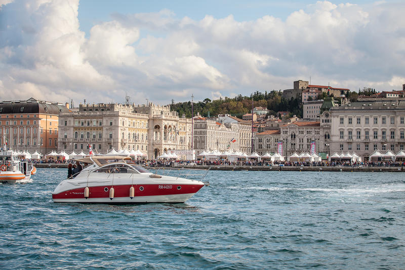 Download Åskådare Under Barcolanaen 2012 Redaktionell Bild - Bild av yacht, klassiskt: 27284856