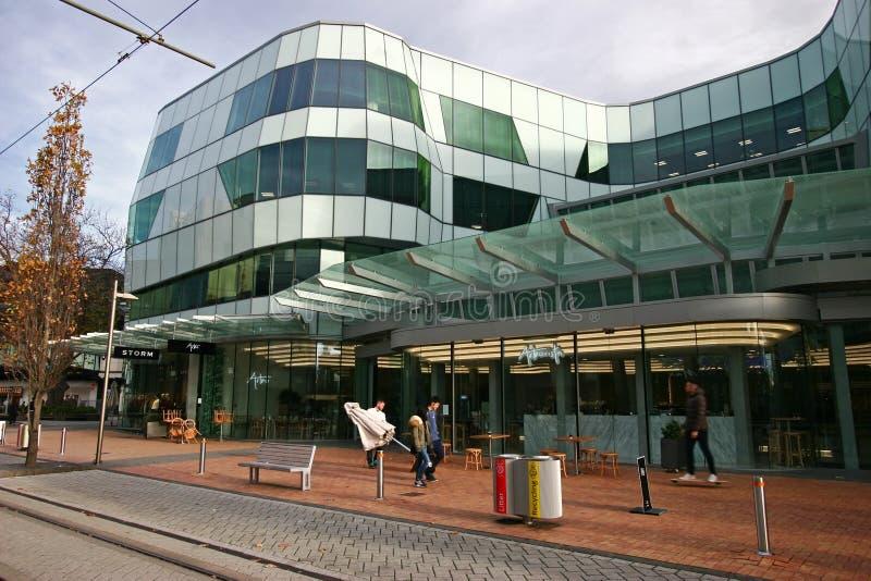 Återförsäljnings- byggnad för samtida av ANZ-mitten i Christchurch CBD, Nya Zeeland royaltyfri fotografi