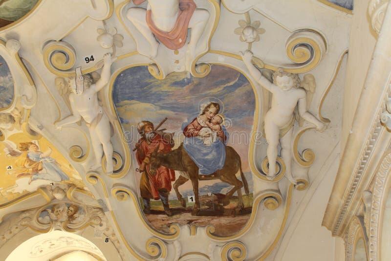 Återställande av väggmålningar i den Bojnice slotten i Slovakien arkivfoton