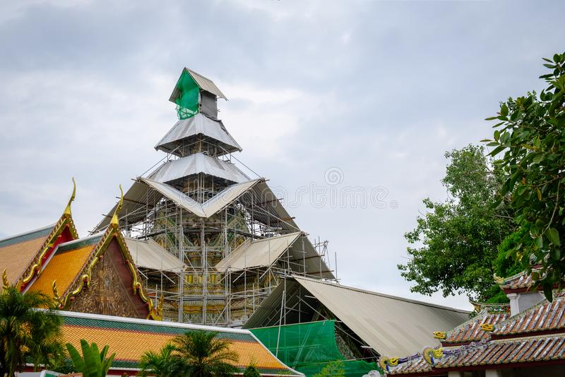 Återställande Wat Pho är ett komplex för buddistisk tempel i Bangkok, Thailan arkivfoton