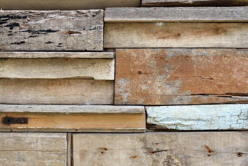 Återvinner Wood plankavägg arkivbild