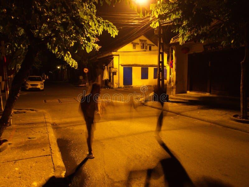 Åtgärda Ninja på natten i Hoi An Ancient Town, en stad på Vietnamï ¿ ½ royaltyfri fotografi