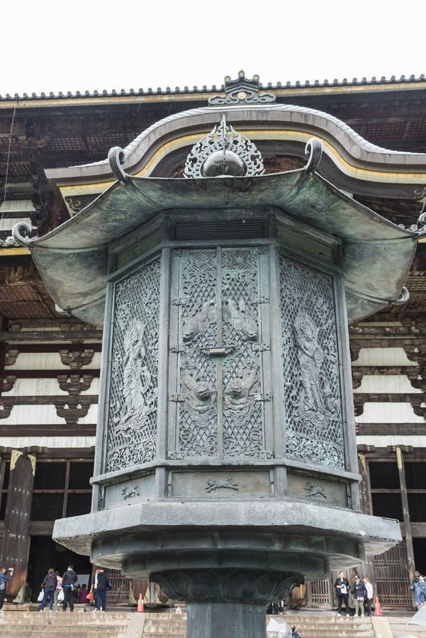 Åttahörnig  dai-ji Nara Japan för lyktatorn TÅ arkivfoton