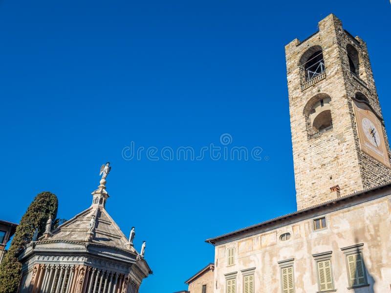 Åttahörnig baptistery av basilikan av Santa Maria Maggiore, Bergamo, Italien arkivfoton