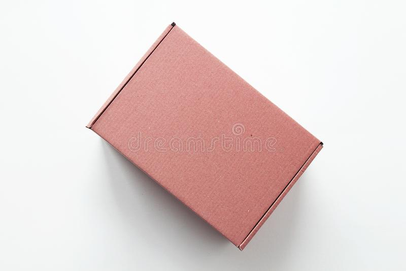 桃红色纸板礼物盒 库存图片