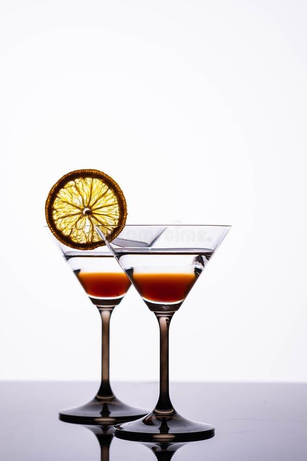 橙色鸡尾酒 喷Aperol 背景查出的白色 免版税库存图片