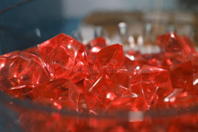 水晶特写镜头在红宝石颜色红色水晶的 库存照片