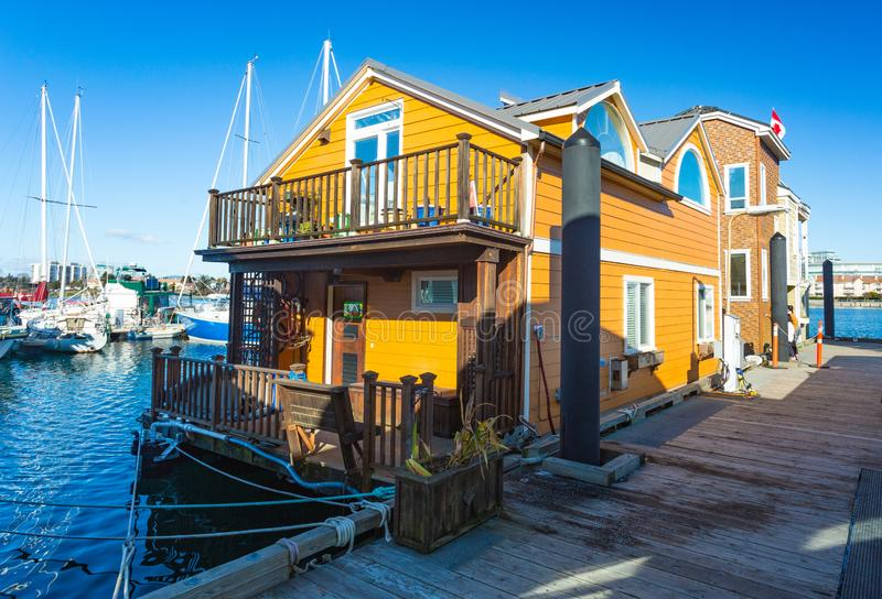 水的之家 经济生活在过度拥挤的城市 免版税库存图片