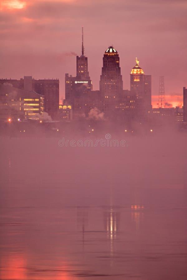 水牛城,在清早光的纽约地平线 图库摄影