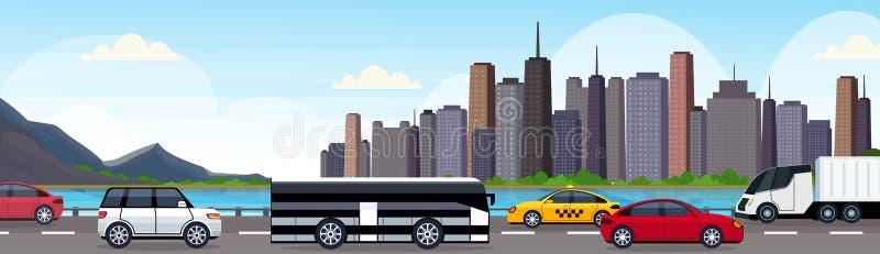 汽车和驾驶沥青在美好的河山城市全景摩天大楼都市风景的乘客公共汽车高速公路路 库存例证