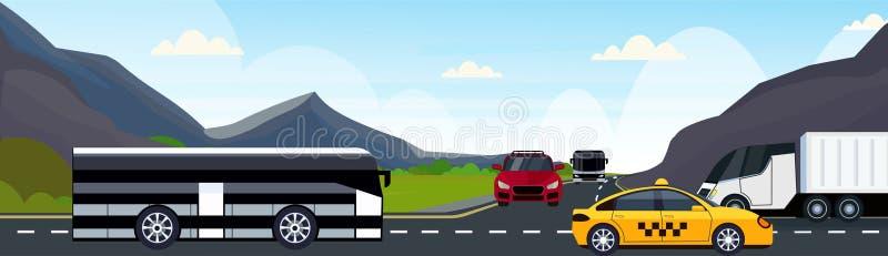 汽车驾驶沥青高速公路路和美丽的山自然风景背景的乘客公共汽车和半卡车 向量例证