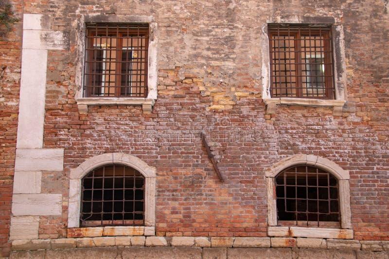 沿一条运河的看法在威尼斯 库存图片