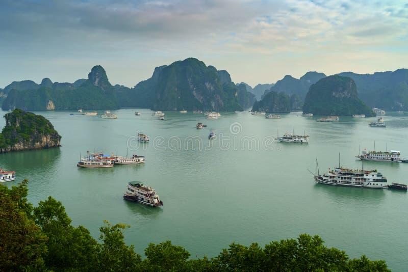 海湾ha长越南 海岛环境美化在哈隆 免版税库存图片