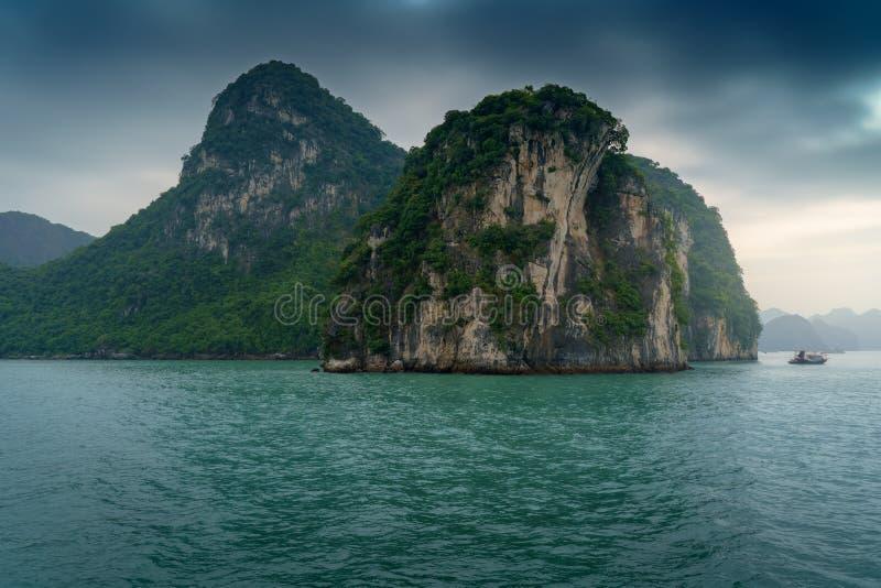 海湾ha长越南 海岛环境美化在哈隆 库存图片