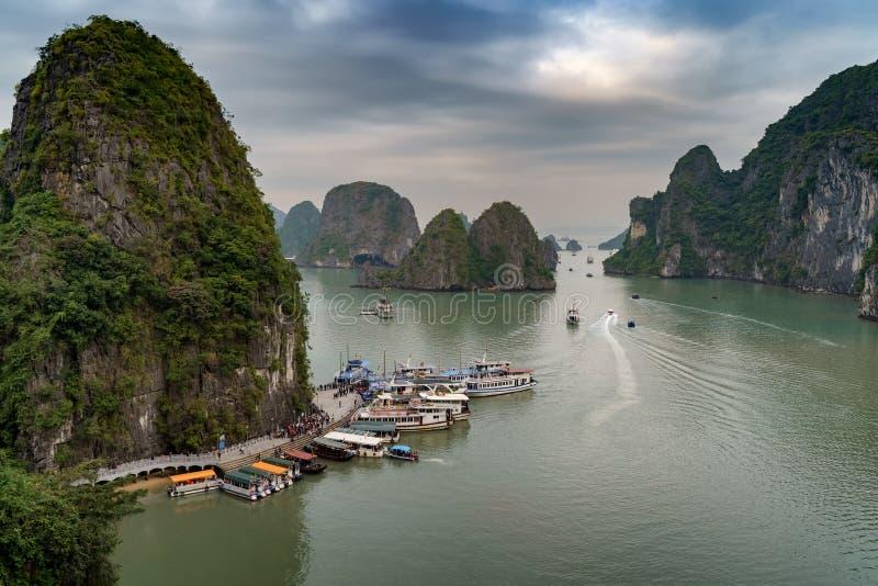 海湾ha长越南 海岛环境美化在哈隆 图库摄影