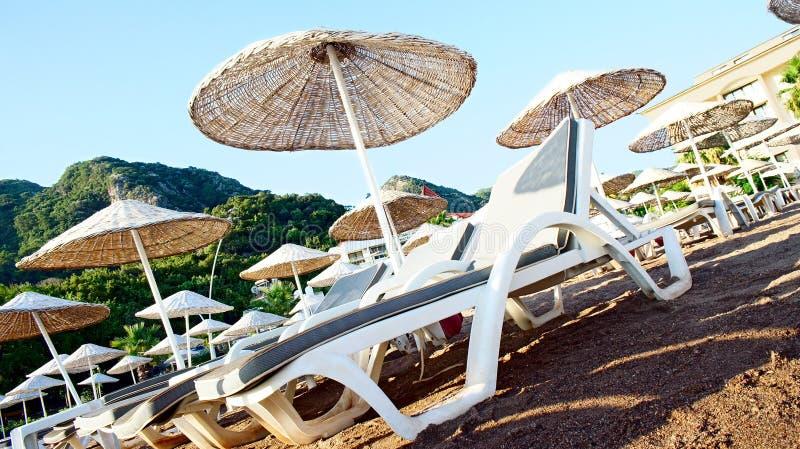 海滩睡椅甲板 对角照片 库存照片
