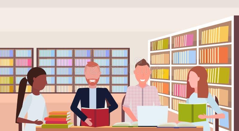 混合种族准备对检查开会工作场所初步探索区域现代图书馆内部的学生团体看书 皇族释放例证