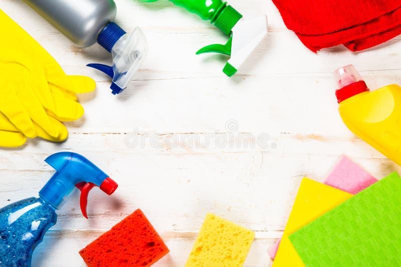 清洁产品,在白色顶视图的家庭 库存图片