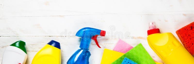 清洁产品,在白色顶视图的家庭 库存照片