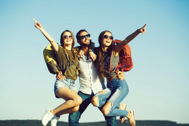 暑假,旅行癖,旅行,友谊和爱、党和自由 库存图片