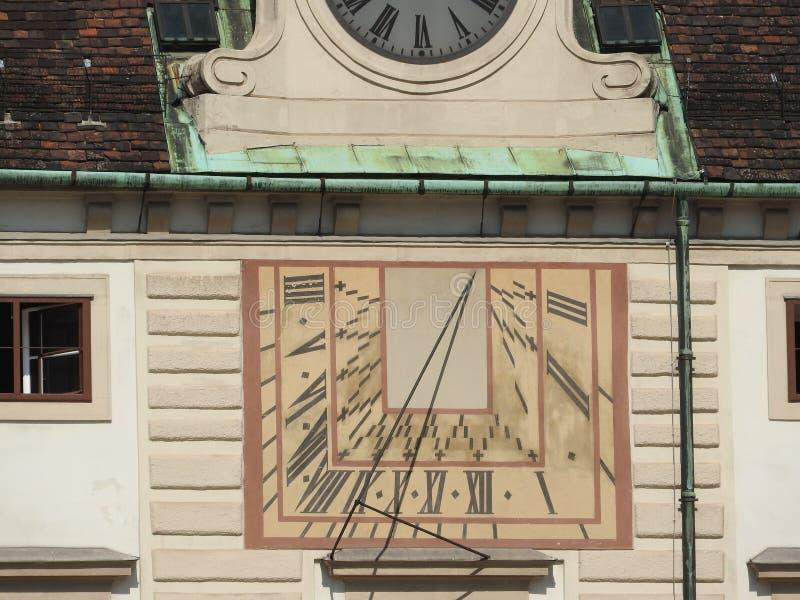 房子门面和纪念碑,维也纳,奥地利石建筑学  免版税库存照片