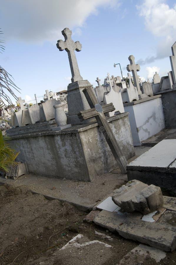 显示宽容十字架的历史公墓在奥尔金古巴 库存图片