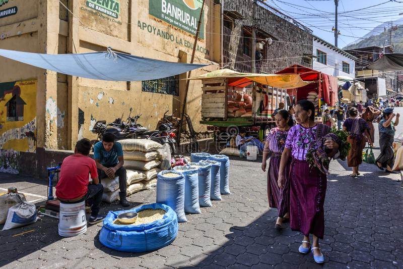 星期五市场,圣地亚哥Atitlan,湖Atitlan,危地马拉 库存图片