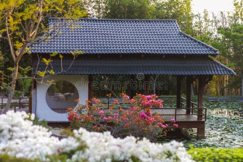 日本塔在禅宗庭院里 库存图片