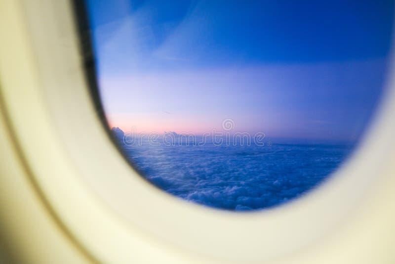 日落看法从飞机的 免版税库存照片
