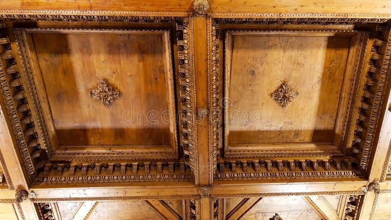 旧宫,佛罗伦萨,托斯卡纳,意大利屋子的木coffered天花板  库存照片