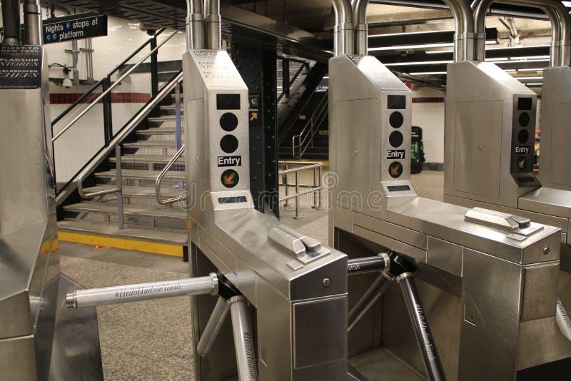 旋转门在纽约地铁 免版税库存照片