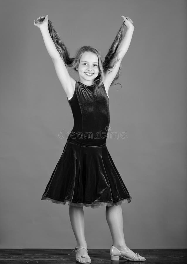 您需要的事知道关于舞厅舞发型 舞蹈家的发型 如何做孩子的整洁的发型 的气球驾驶者 免版税库存图片