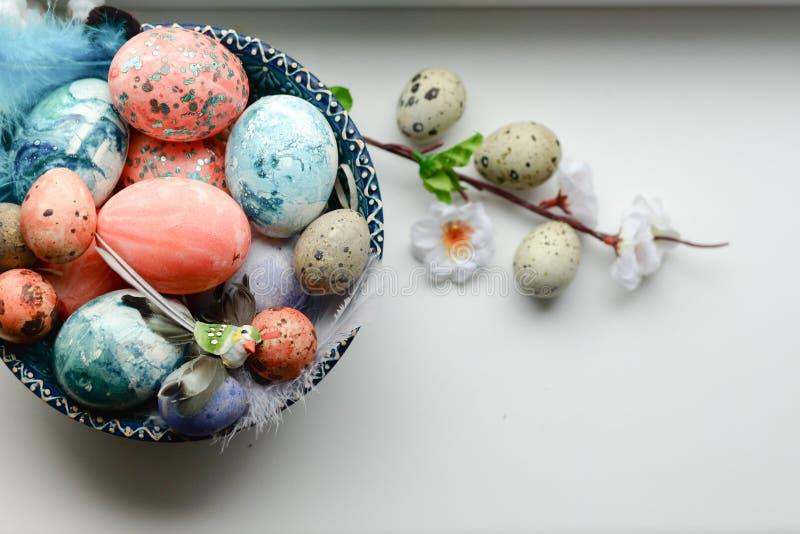 愉快的复活节 祝贺的复活节背景 复活节彩蛋花 免版税库存照片