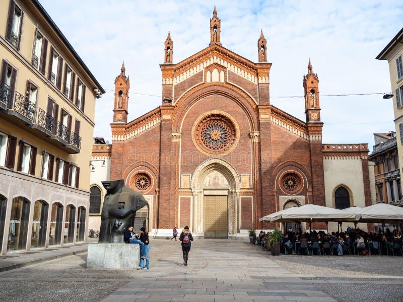 教会切萨二佛罗伦萨卡尔米内圣母大殿在米兰 免版税库存图片