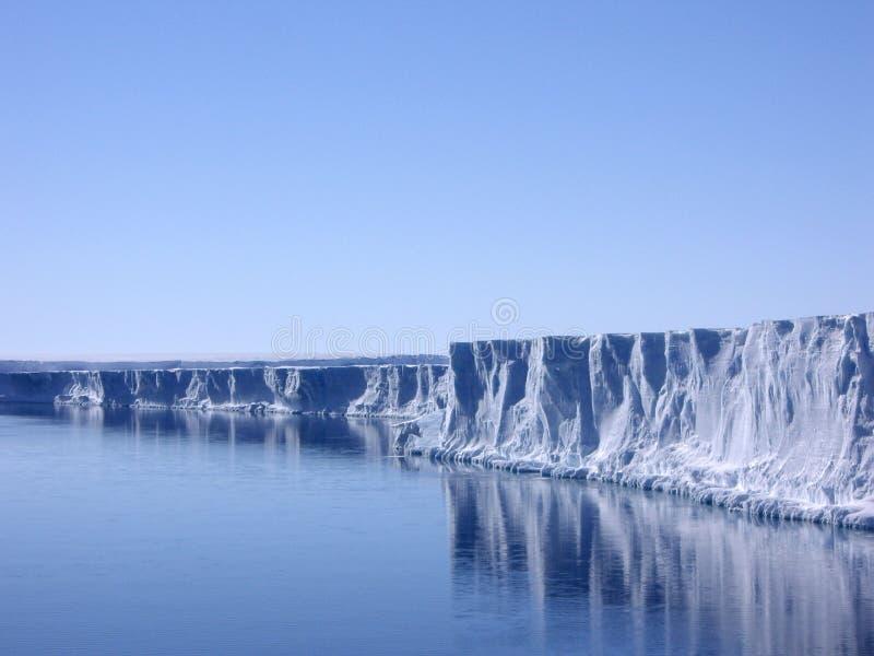 晴朗的冰川天气 免版税图库摄影