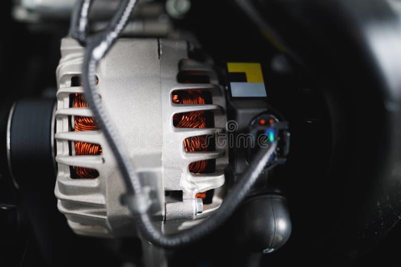 新的汽车交流发电机 免版税库存照片