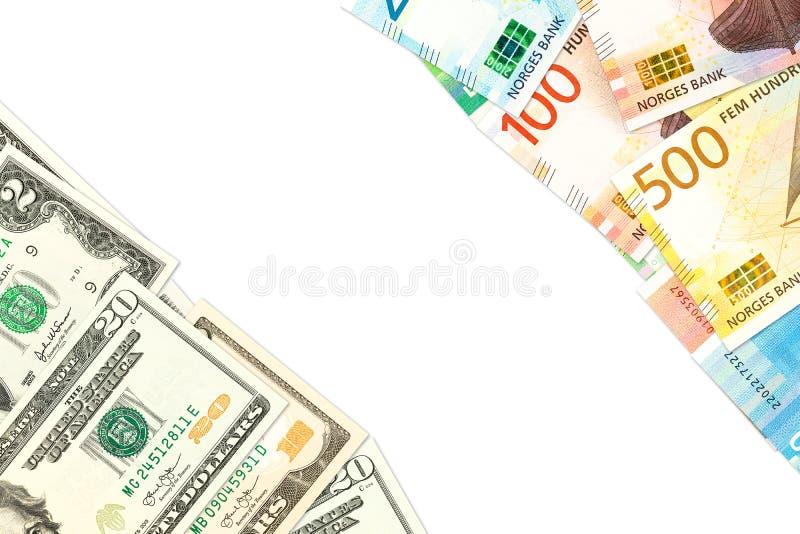 新的挪威克朗和我们美国表明双边经济关系的美元钞票与拷贝空间 免版税库存图片