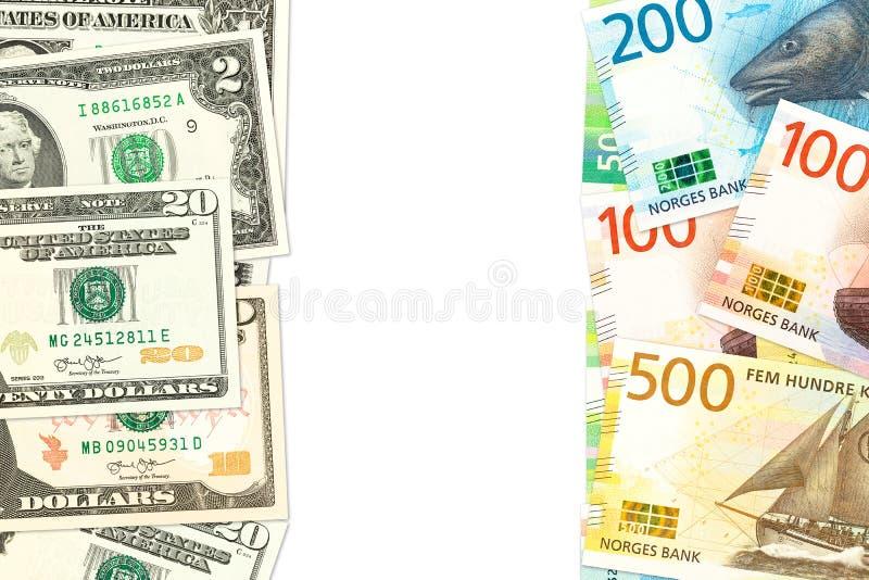 新的挪威克朗和我们美国表明双边经济关系的美元钞票与拷贝空间 库存照片