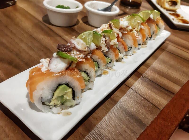 新鲜的三文鱼和章鱼寿司 库存图片