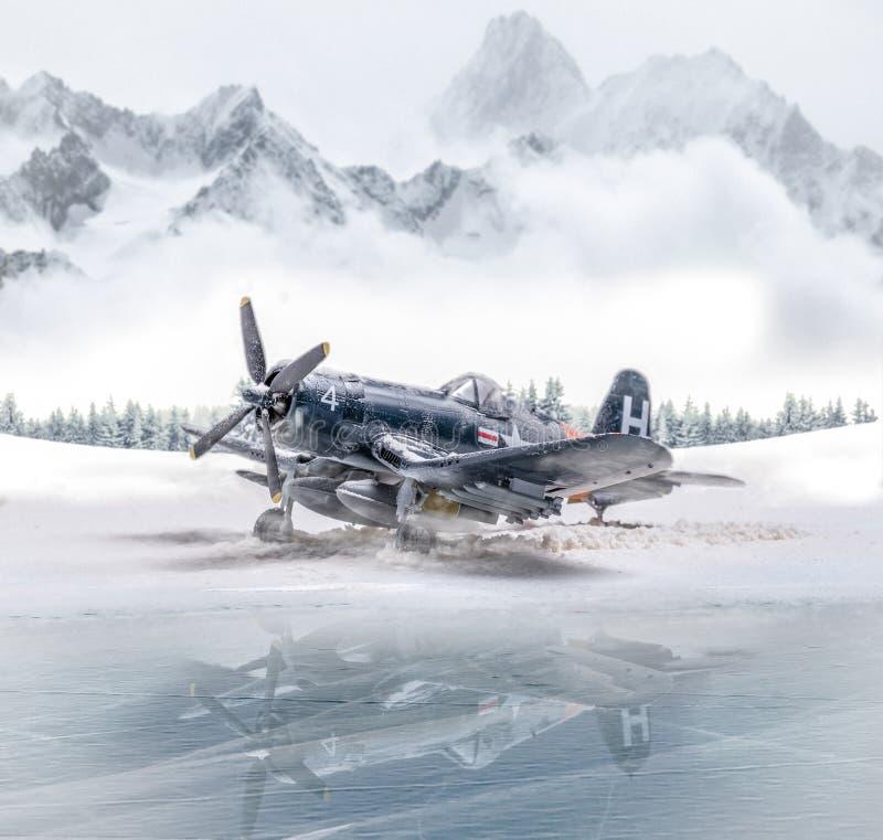 Ærei militari della seconda guerra mondiale con le precipitazioni nevose pesanti immagine stock libera da diritti