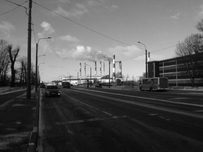 空气污染,从工厂管子的烟 免版税库存图片